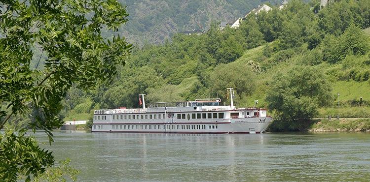 Under veckans båtcykelresa längs Donau är flodbåten MS Normandie vårt flytande hotell.