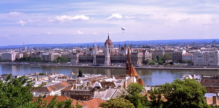 Båtcykelresa till Budapest