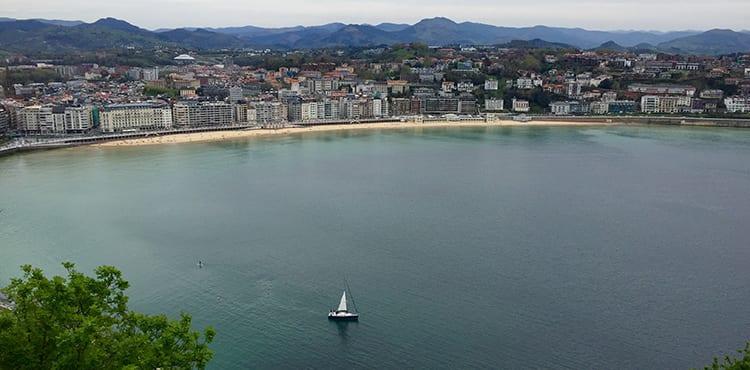 San Sebastian sett från Monte Urgull.