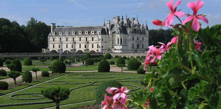 Besök Chateau de Chenonceau när du cyklar i Loire i Frankrike.