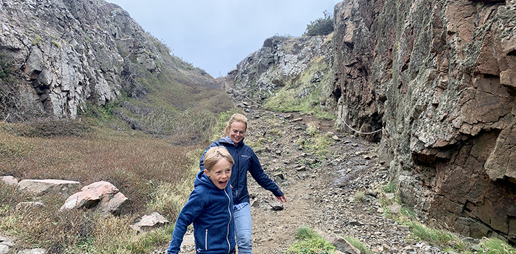 Grottvandring på Kullaberg med familjen